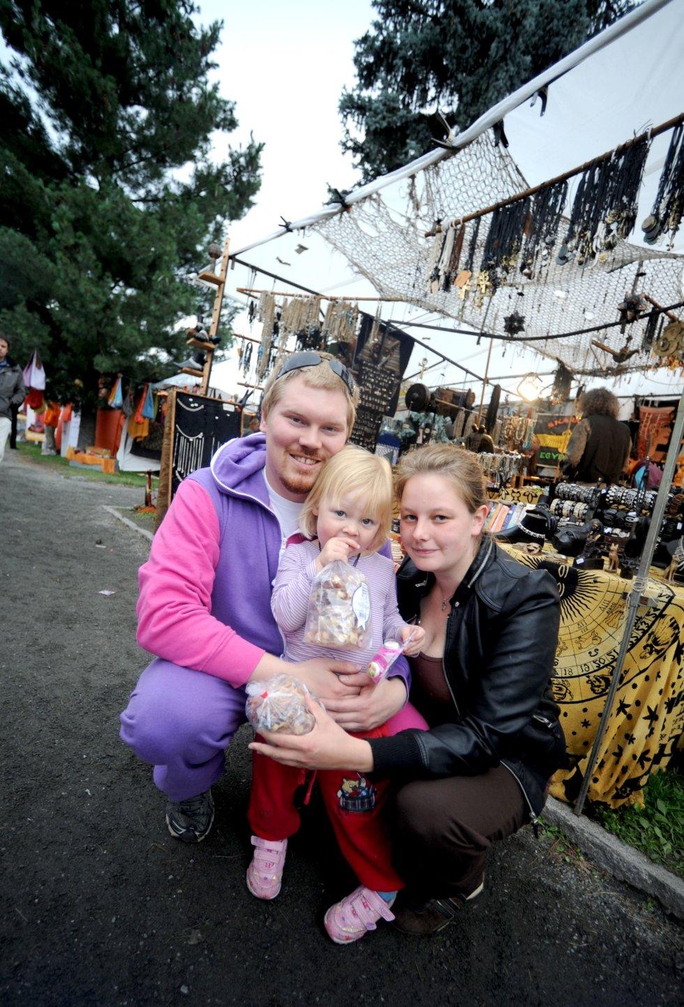 Stian Teibakk og Tonje Kristin Fusche med datteren Emira Viktoria Fusche Teibakk (3)
