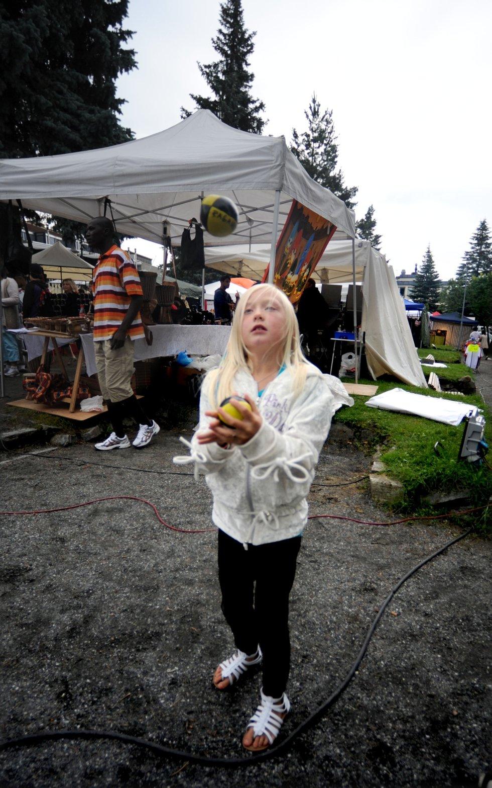 Maja Berg Brekke (8) hadde akkurat lært seg å sjonglere