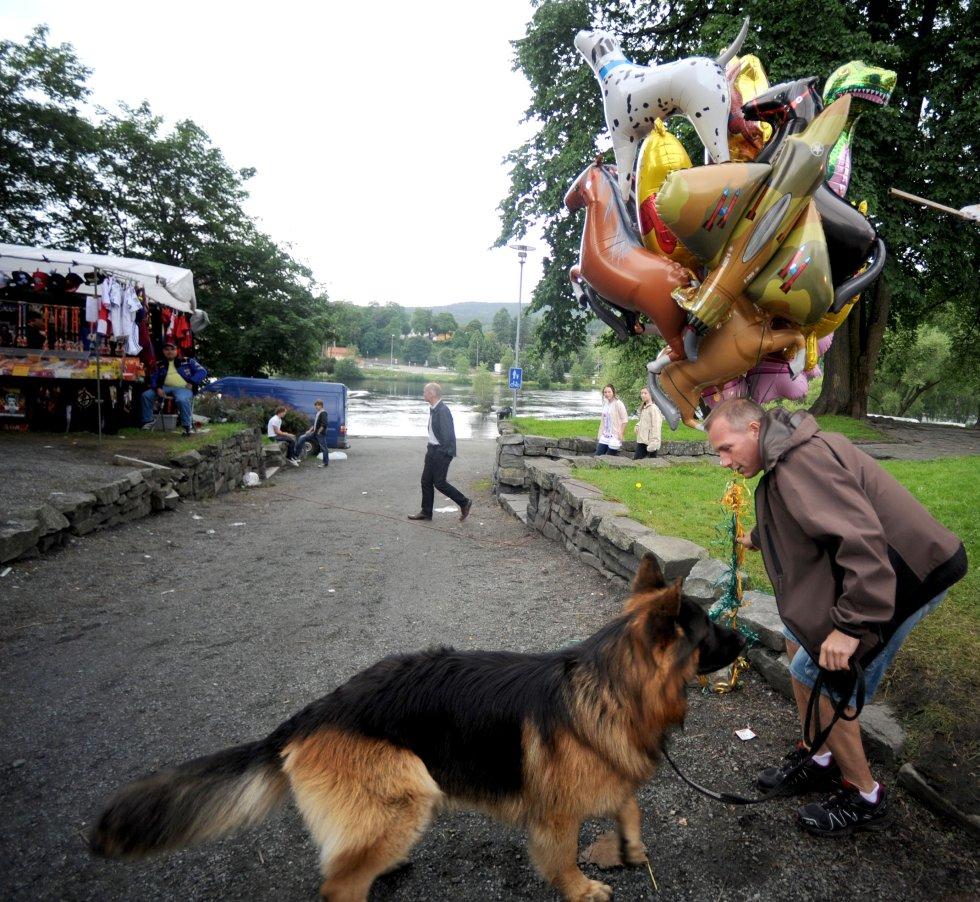 Ronny Fridheim ertet Athos med ballongene