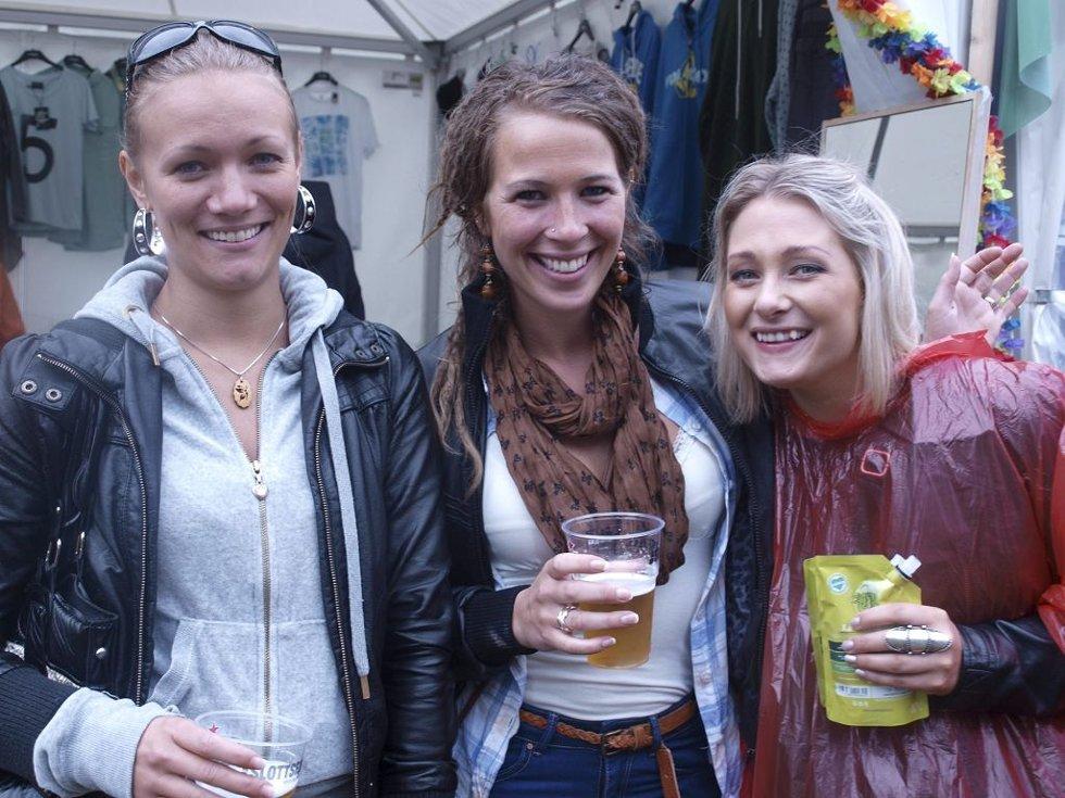 Linn Svartberg (28) fra Hamar, Åse Tandberg (26) fra Hamar og Tina Spidsberg Andreassen (24) fra Oslo.  (Foto: )