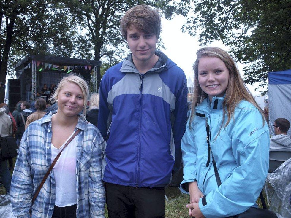 Veronica Halvorsen (18), Peder Lundh (18) og Kristin Dulve Larsen (17) fra Larvik. (Foto: )