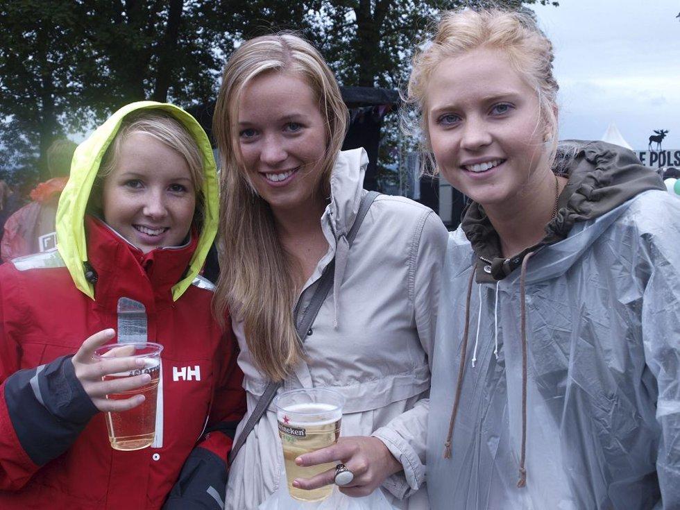 Helene Krogud (20), Emilie Sandmo (20) og Pernille Ingebrigtsen (20) fra Tønsberg. (Foto: )