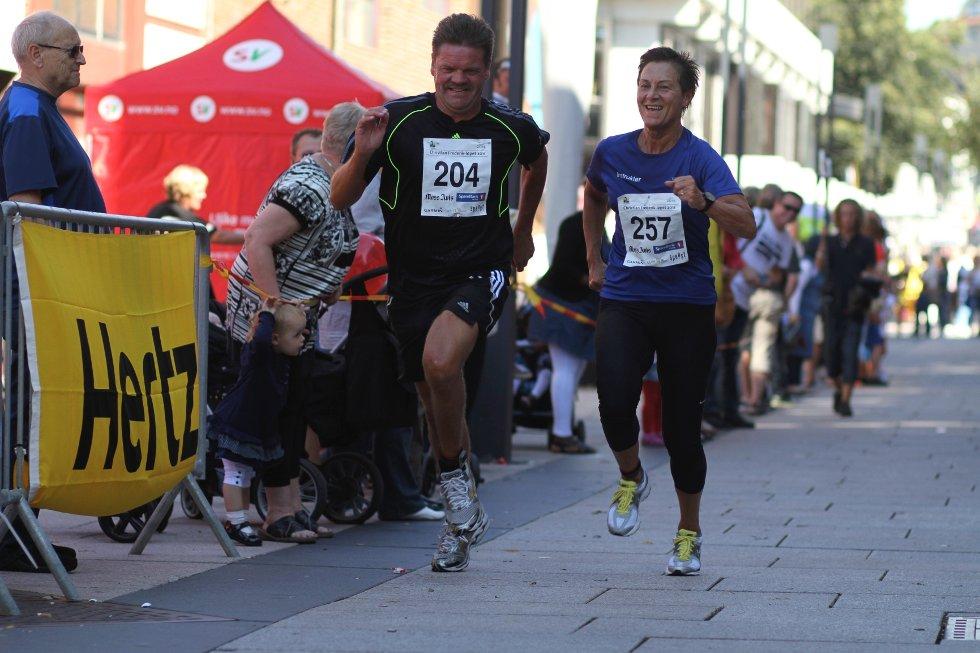 Nesten 500 deltakere løp lørdag formiddag Christian Frederik-løpet i Moss' gater.