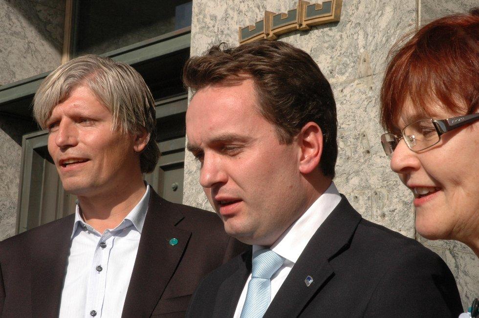 Ola Elvestuen (V), byrådsleder Stian Berger Røsland og Aud Kvalbein (Krf) skal sammen forhandle om nytt byråd. Det ble klart tirsdag ettermiddag.