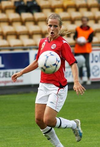 LANDSLAGSDAME: Melissa Wiik, Stabæk, her i 3-0-seier over Østerrike. Foto: Ulf Hansen