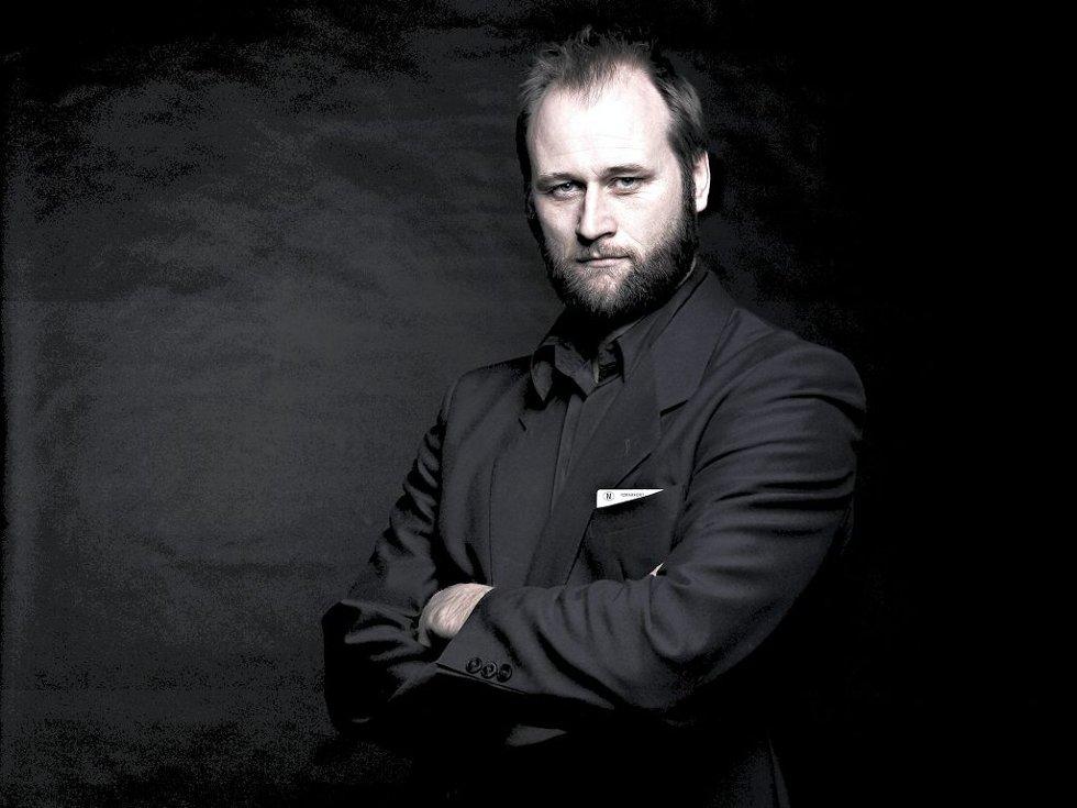 KRITIKERROST: Stein Torleif Bjella kommer til Slottsfjellfestivalen i sommer. Foto: Plateselskapet