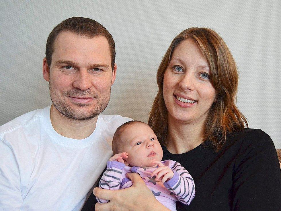 Liv Mølbach og Rune Nikolaisen har fått sin etterlengtede lille prinsesse. Hun kom til verden på Bærum sykehus 27. desember og veide 3.410 gram. familien bor på Askerjordet i Asker. (Foto: )