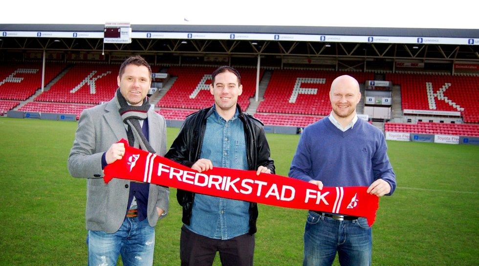 Thomas Holm, her flankert av FFK-trener Tom Freddy Aune og sportssjef Joacim Jonsson, sikret seg både seriecull og cupsølv med Molde i fjor.