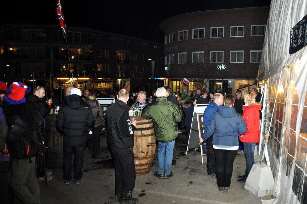Lørdag kveld er det nok en VM-fest i Vikersund.