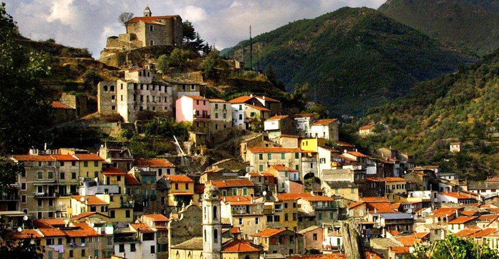 I Badalucco ved den italienske riviera er leilighetene rimleligere enn nede ved kysten.