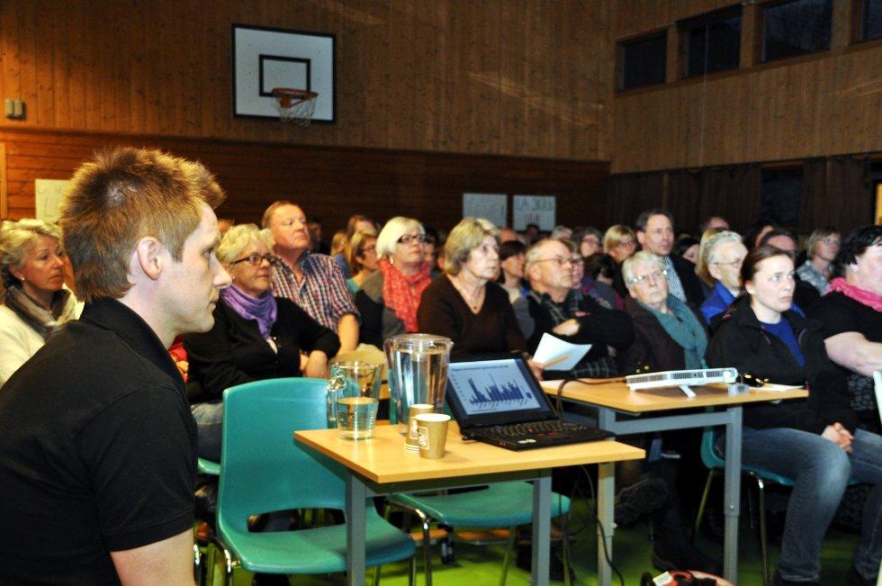 Folkemøte Jondalen skole. (Foto: Stig Odenrud)
