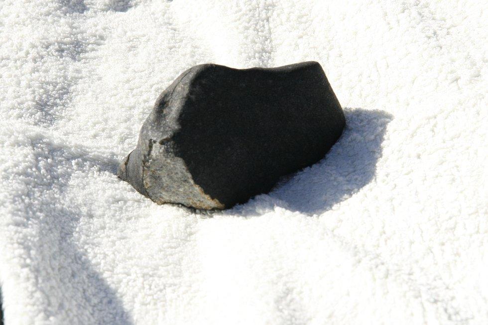 Anne Mette Sannes håper oslofolk tar turen til Ekeberg for å finne den manglende biten av meteoritten.