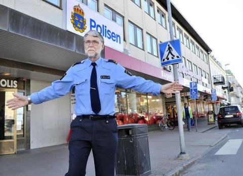 Ingen biltrafikk i sentrum skjærtorsdag, befaler Tage Ödlund (62) hos Strömstadspolisen.