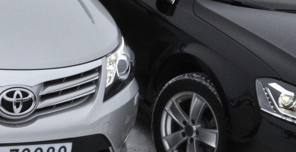 Toyota Avensis slår bestselgeren VW Passat – men bare så vidt.