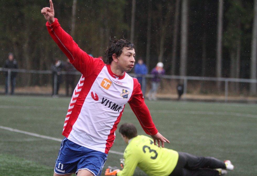 """Jubel: Edwin Kjeldner hadde tre mål og to """"assist"""" mot Borgen."""