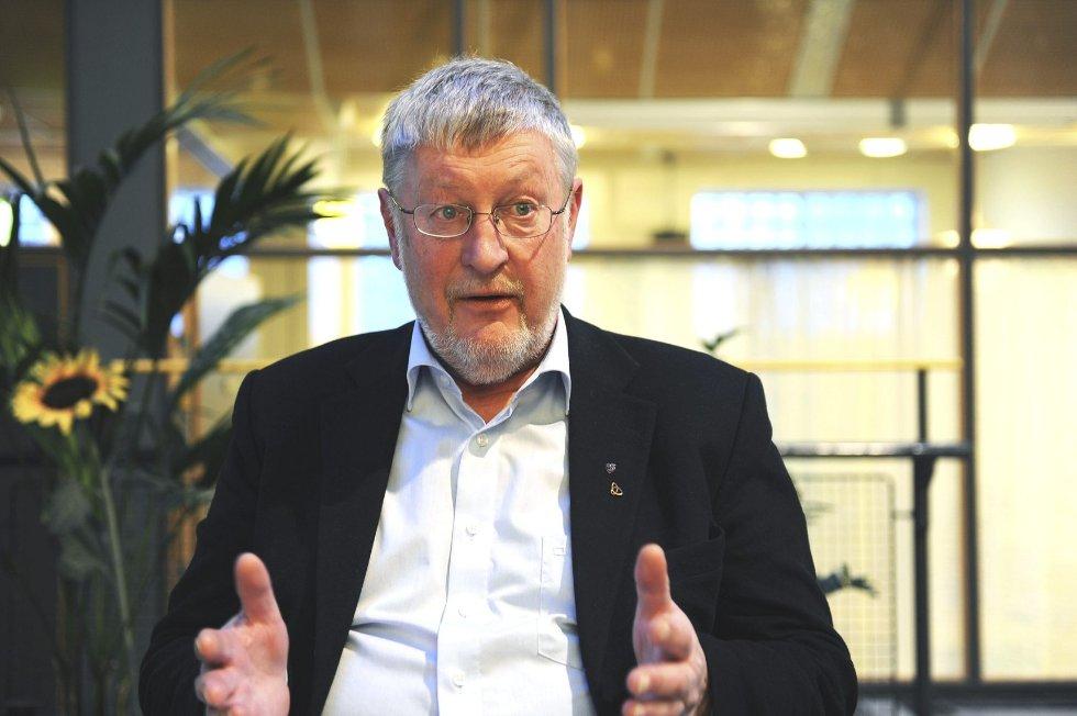 Fylkesordfører Per-Eivind Johansen mener at Vestfold har et ansvar for gode jernbaneforbindelser med Oslo og Stavanger.  Arkivfoto: Harald Strømnæs