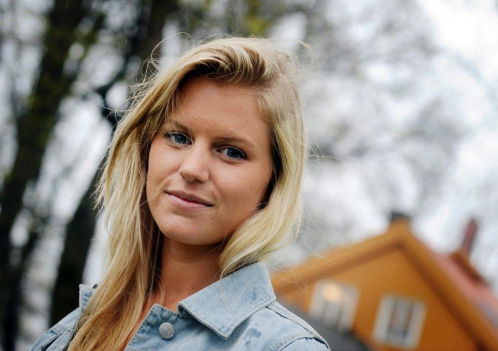 I fire år har Martine Grønlund merket konsekvensene etter flåttbittet på kanoturen i Farriseidet. Nå er hun på vei opp igjen.