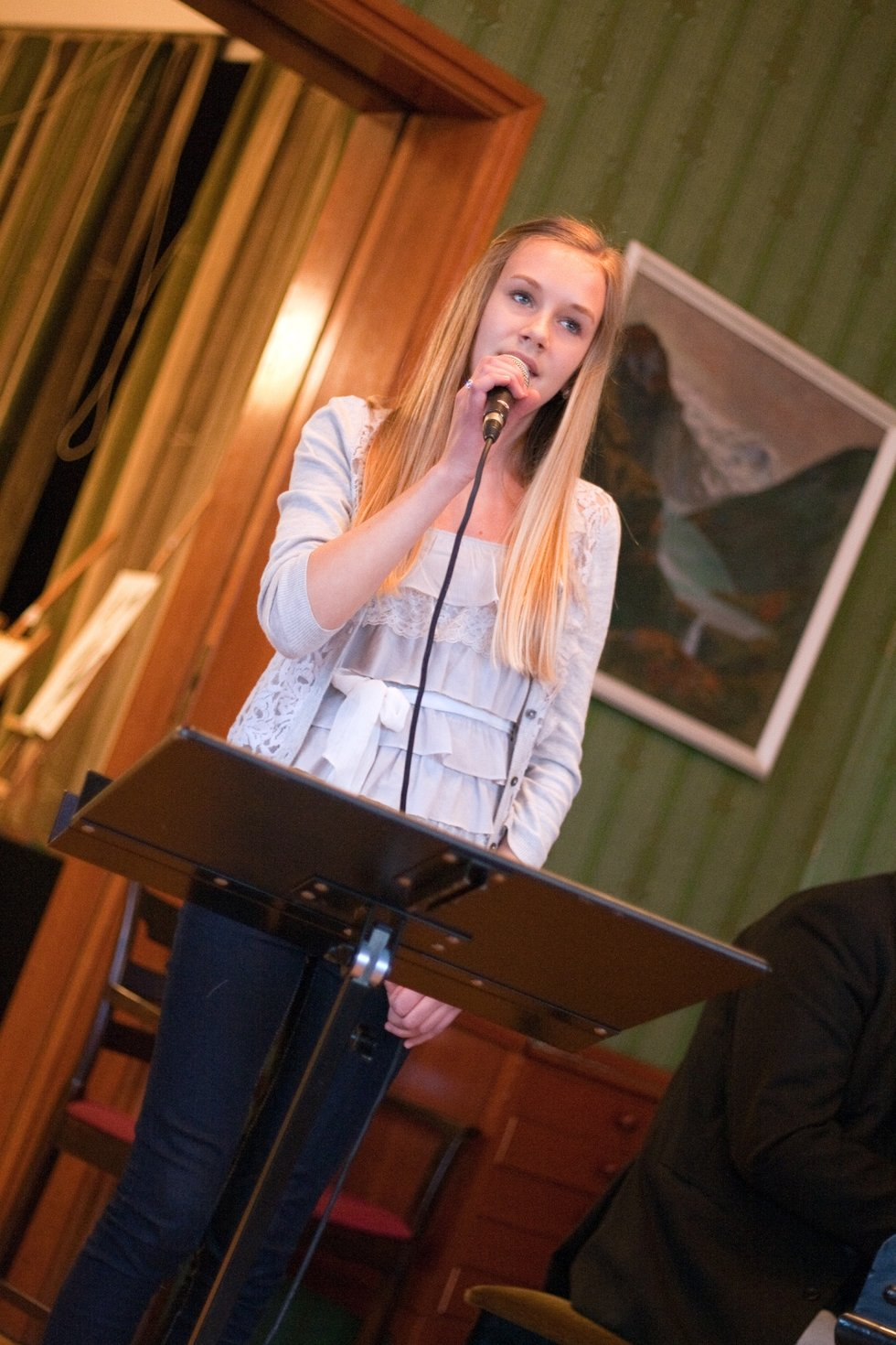 Fra Rømskog; Louise Jansson (14) er nominert for sang.