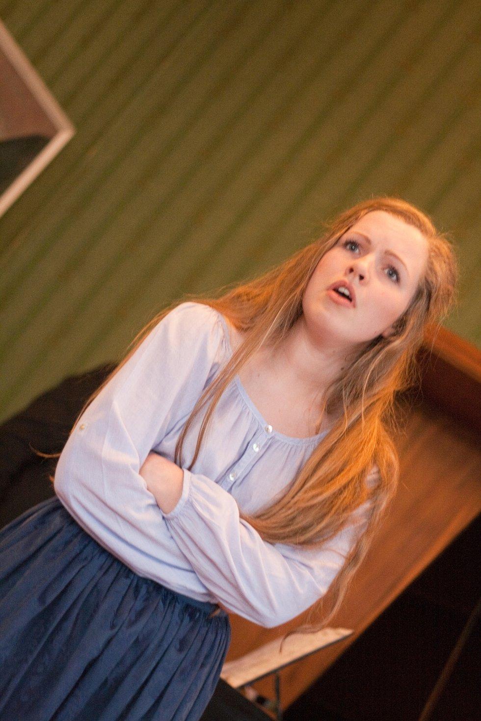 Sanne Caroline Kvitnes (17) fra Halden fremførte egenskrevet monolog.