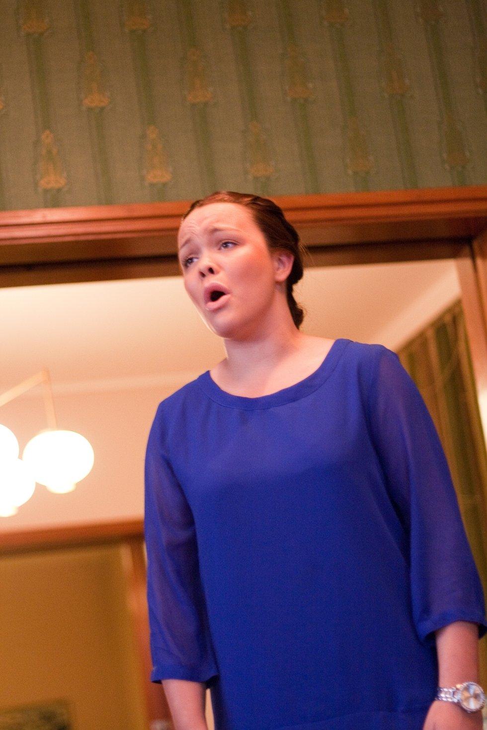 Synne Holm (18) fra Sarpsborg sang fra operetten Carmen.