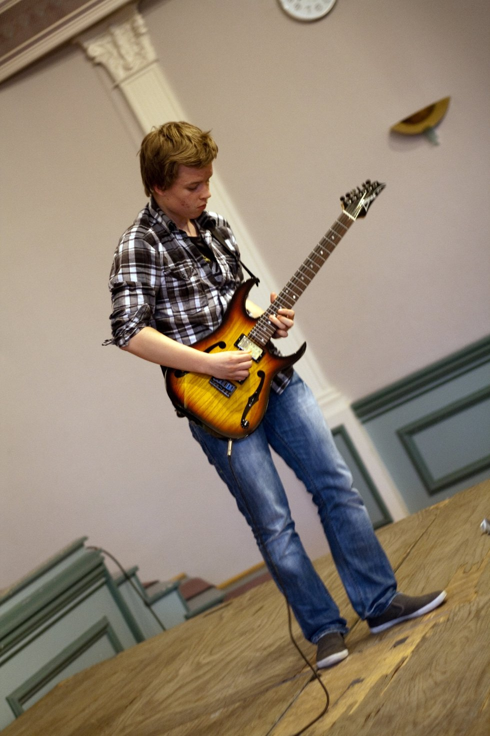 Gitarist Ingvald Minge (17) spilte el-gitar. han er fra Trøgstad