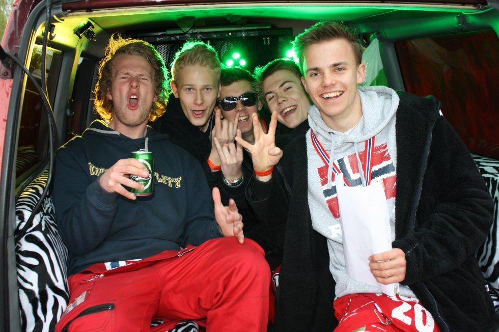 Hans Christian Skontorp, Eivind Roberg, Henrik Almquist, Matias Bretteville-Jensen og Simen Jgensen er sponset av norsk musikk og har også vunnet priser for beste anlegg.