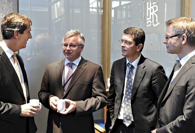 KOG-LEDERNE: Fra v.: konsernsjef Walter Qvam, Egil Haugsdal, Kongsberg Protech, Geir Håøy, Kongsberg Maritime og Harald Ånnestad, Kongsberg Defence.FOTO: STÅLE WESETH