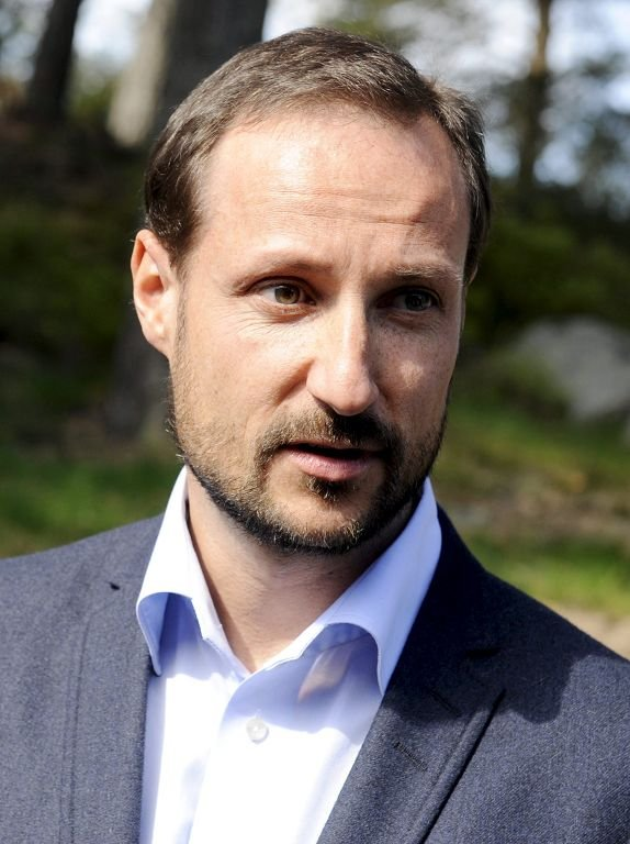Kronprins Haakon besøkte Re videregående skole 3. mai. 2012.