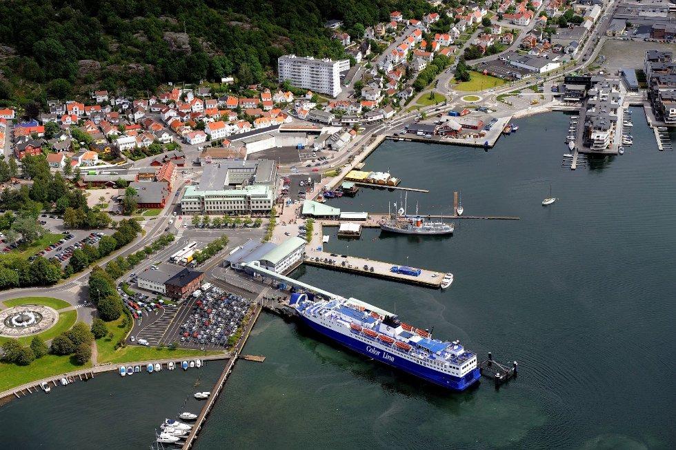 Sandefjord Terminal kan av flere årsaker ikke gjøre plass for Fjord Lines «Bergensfjord», slik Sandefjord Havn vurderer det. Havnesjefen kommenterer at «det synes som om Fjord Line helt eller delvis ser bort fra uforutsette hendelser, som forsinkelser.»ARKIVFOTO: Olaf Akselsen