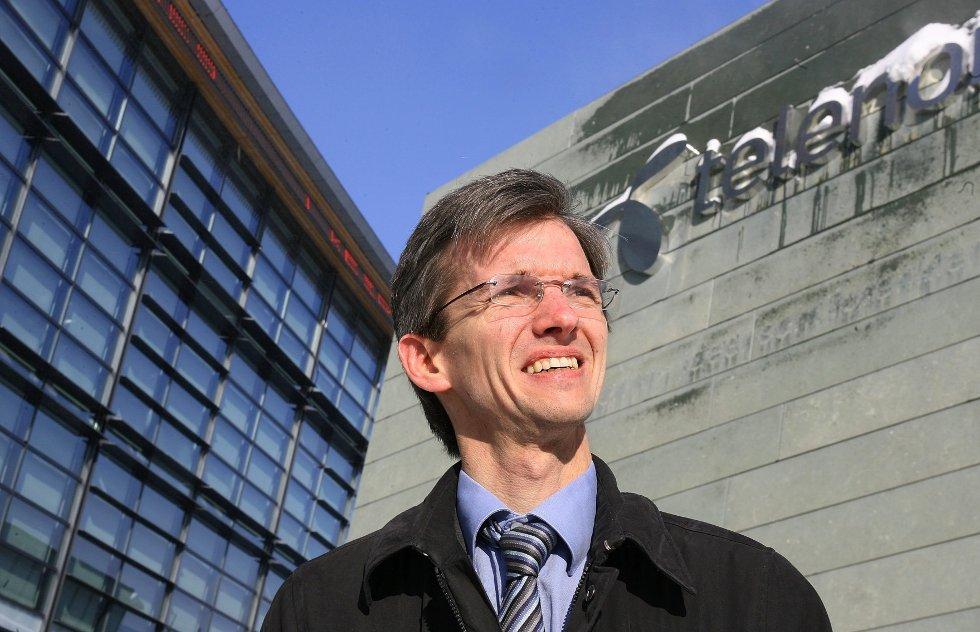 – Vi har ingenting i mot Frøken Norge-konkurranser, sier Abelia-direktør Paul Chaffey fra Snarøya. Han understreker at foreningen ikke ønsker å tråkke noen på tærne med den utradisjonelle videoen. FOTO: EVA GROVEN