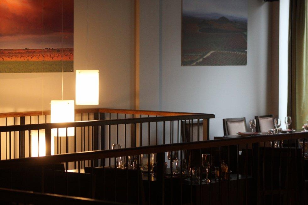 """""""La Macha"""" går over to etasjer. Bildet viser detaljer fra 2. etasje."""