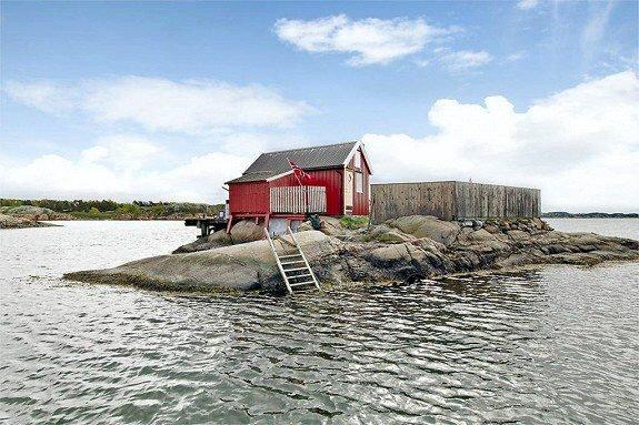 Jomfrulandsholmen i vestsiden av Sandefjordsfjorden er til salgs. Her kan du eie en hel liten øy. (Foto: Foto: Eiendomsmegler1)