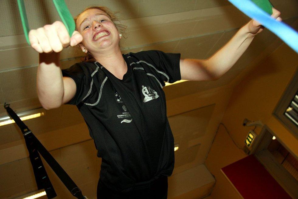 Inger Ane Sætra Schefte er en av mange i Kolbotn IL som går mot en travel sesong som mesterskapssvømmer. Mye og god trening har gitt resultater. ALLE FOTO: HENRIK AASBØ