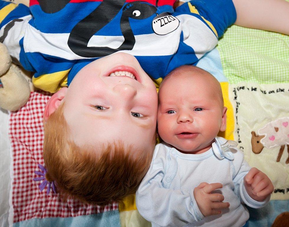 Eirik kom til verden den 24.04.12 på Sykehuset Innlandet Elverum. Han veide 4150g og var 51cm lang. Sondre er stolt storebror, og vi er stolte foreldre igjen. Vi vil takke for god oppfølging under svangerskap og fødsel. Eli Anita og Tom Erik Nygårdseter.