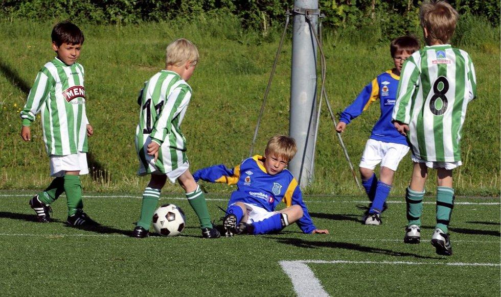 Aktivitetsturnering på Eik. Harde tak mellom Teie og Barkåker.