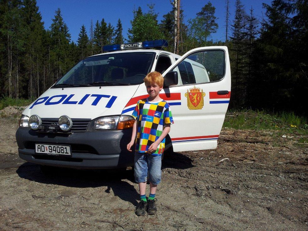 Mathias Alexander Hagren (8) fra Svinndal fant dynamitt fra krigens dager.