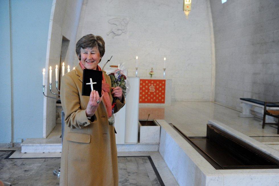Birte Arneberg har sydd det nye alterteppet i Ekeberg kapell