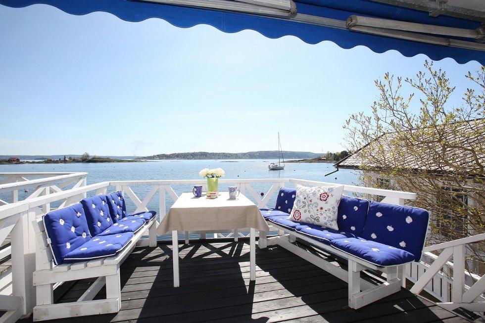 KOS: Dette er utsikten fra terrassen. FOTO: PRIVATMEGLEREN THØGERSEN & PARTNERE