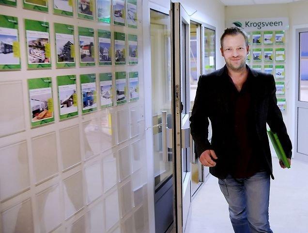 Best utvikling: Tom Christopher Sand sier Spikkestad er området i kommunen med best prisutvikling, og tror det fortsetter. FOTO: Sven-Erik Røed