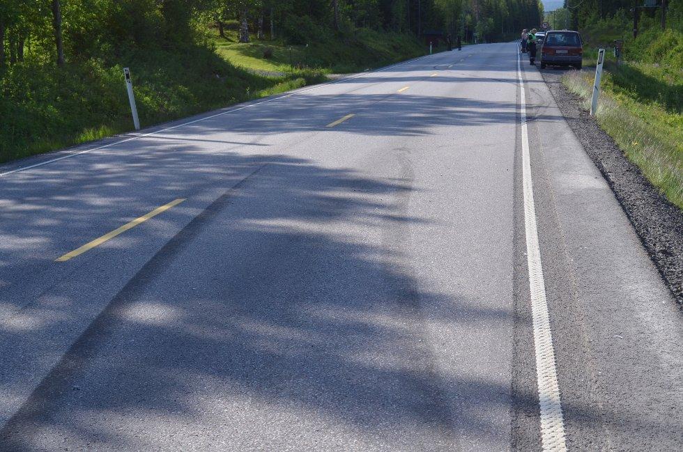 – SOVNET: En person sovnet bak rattet og forårsaket fredag ettermiddag en trafikkulykke ved Øksna nord i Elverum. – Griseflaks at dette gikk bra, sier politiet.
