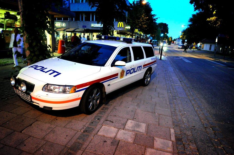 Natt til søndag var en travel natt for politiet i Vestfold. Flere personer ble satt i sentralarresten.