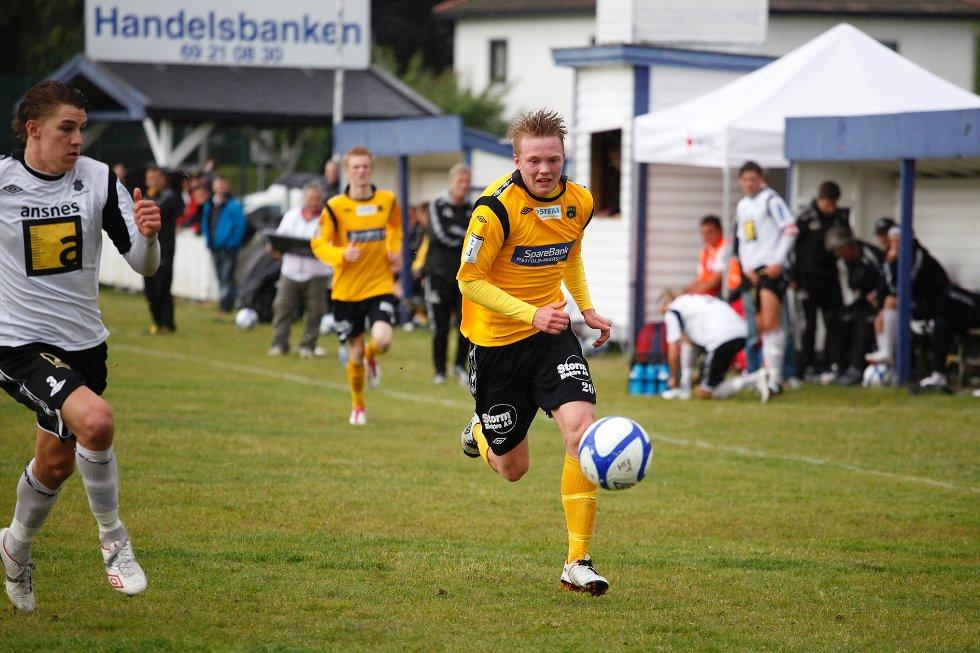 Fabian Stensrud Ness (bildet) var ifølge MFK II-trener Clas A. Guttulsrød muligens i kontakt med ballen som til slutt endte i Spartas mål. Det var uansett ikke nok mot avdelingsleder Sparta. Her i en kamp for A-laget mot Asker.