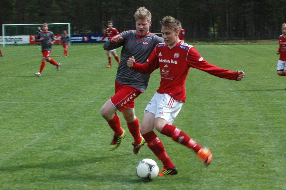 Tre ganger scoret Georg Flatgård da Tynset lekte seg til en ny seier på hjemmebane.