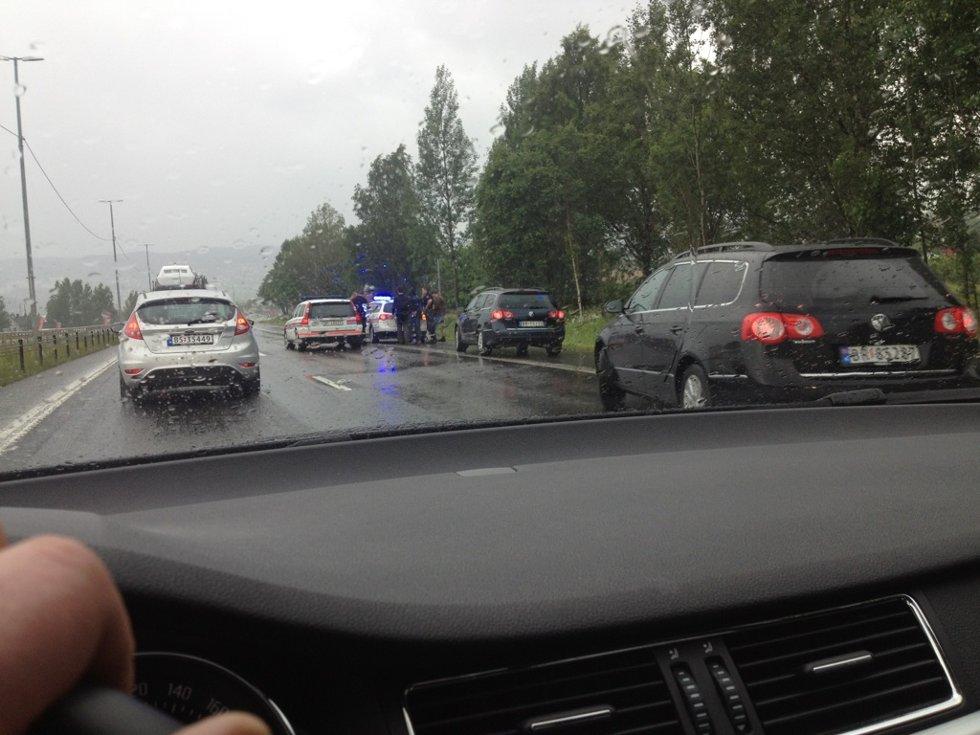Tre personer ble stoppet 400 meter fra Holmenbrua på grunn  av en lekepistol.