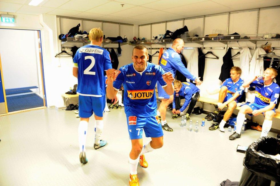 Sandefjord Fotball slo VŒlerenga ut av Cupen i 3. runde. Panajotis Dimitriadis jubler i garderoben