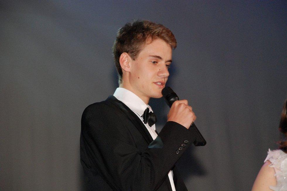 PIXELPRISEN: Sandvika VGS bragte Hollywood-glamour til Sandvika Teater med sin egen prisutdeling Pixelprisen for skolens elever som hadde utmerket seg innen media i 2012 FOTO: THERESE HEMB MYREN. (Foto: )