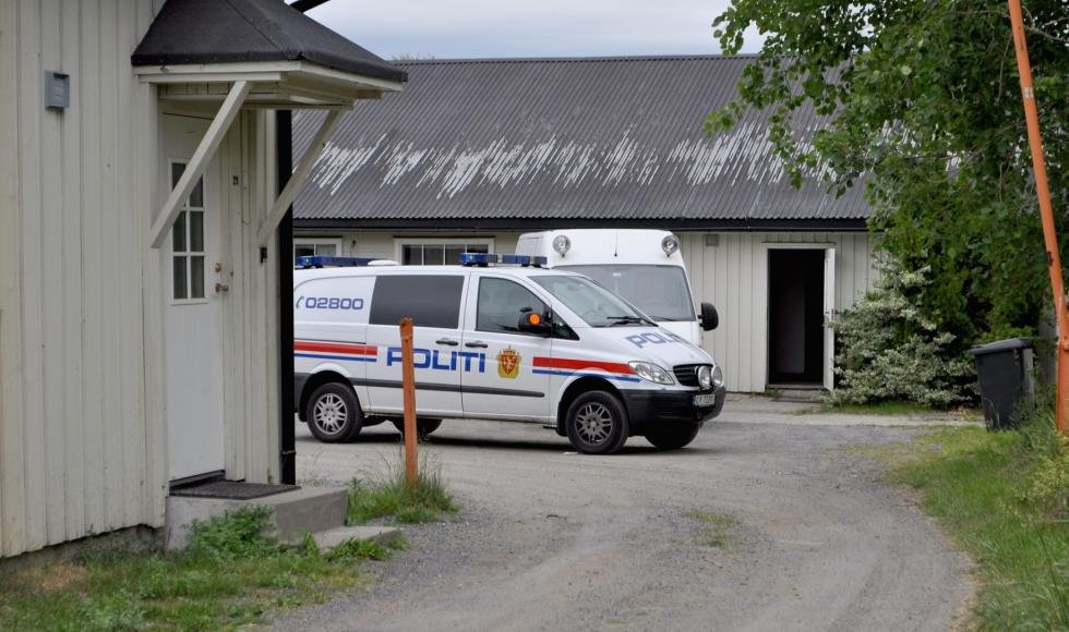 Politiett aksjonerte mot dette lageret på en adresse i Sandefjord fredag ettermiddag. Foto: Janne Grytemark (Foto: Janne Grytemark)