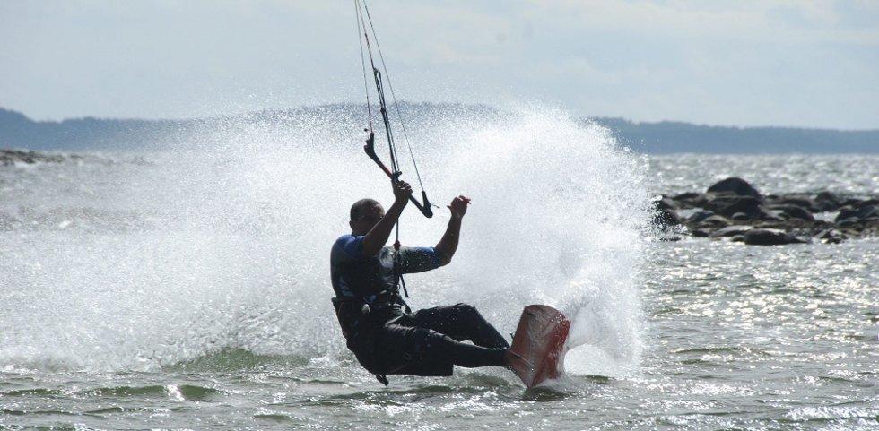 DET FLYTER UT Kiterne og windsurferne har flyttet seg fra stranden ved Danmark (bildet) og tatt i bruk Langstranda også. foto karoline guren