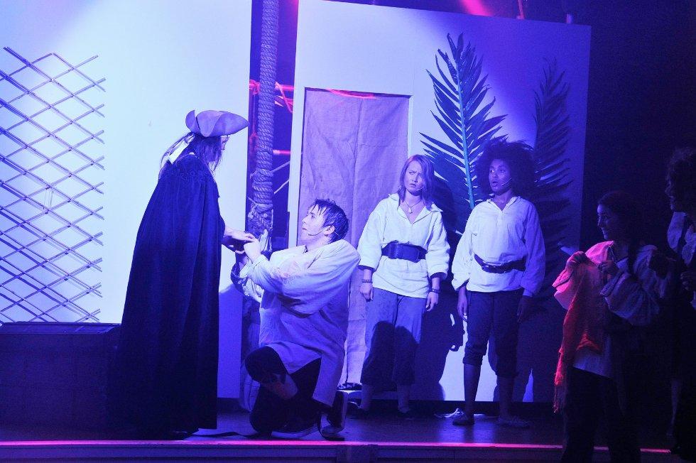 Sjørøverprinsessen og kapteinens hemmelige skatt på Røde Kors-huset.