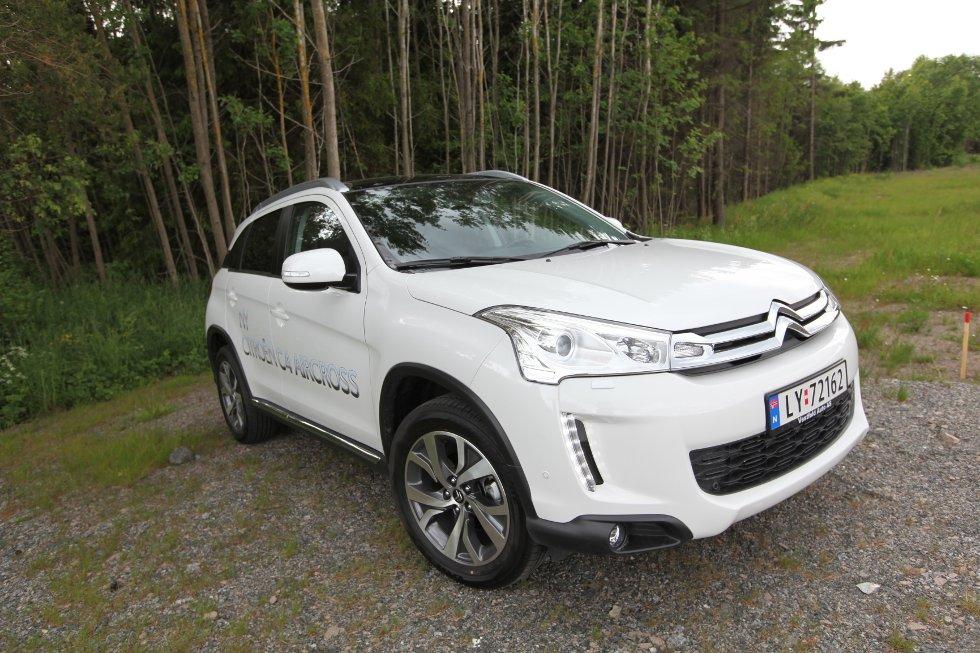 I hovedsak er det useendet som gir assosiasjoner til Citroën-familien, i liten grad bilens øvrige karakter og kjøreegenskaper.
